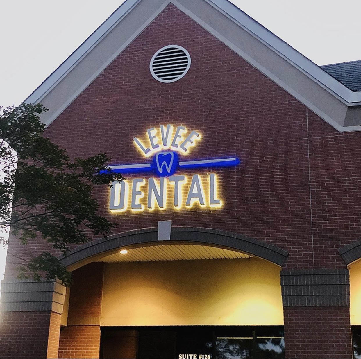 Levee Dental